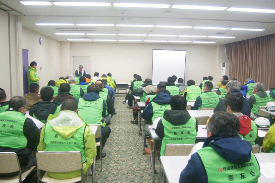 カンパニー:伊藤建設工業・喜友会 年末合同パトロール